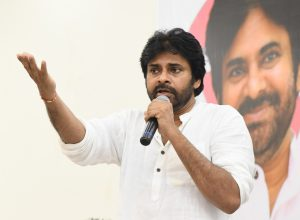 Pawan Kalyan condemns attack on junior doctors by police