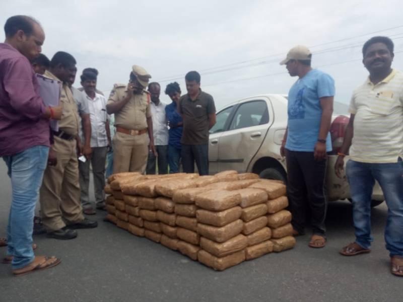 Police chase Ganja smugglers at Warangal