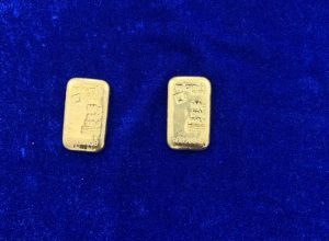 Chennai customs recover Rs 7 lakh gold from toilet