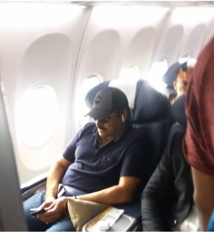 Air Vistara faces technical problem mid-air; Chiranjeevi among the inconvenienced passengers