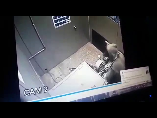 Offender breaks open ATM, fails to rob cash