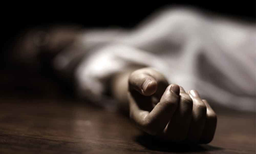 Unable to bear husband's death due to COVID, Punjagutta woman ends life