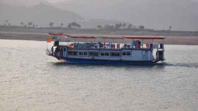 Death toll rises to 26 in Godavari boat tragedy, search continues