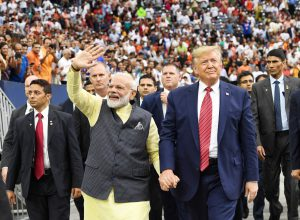 Modi returns from US, to rousing welcome