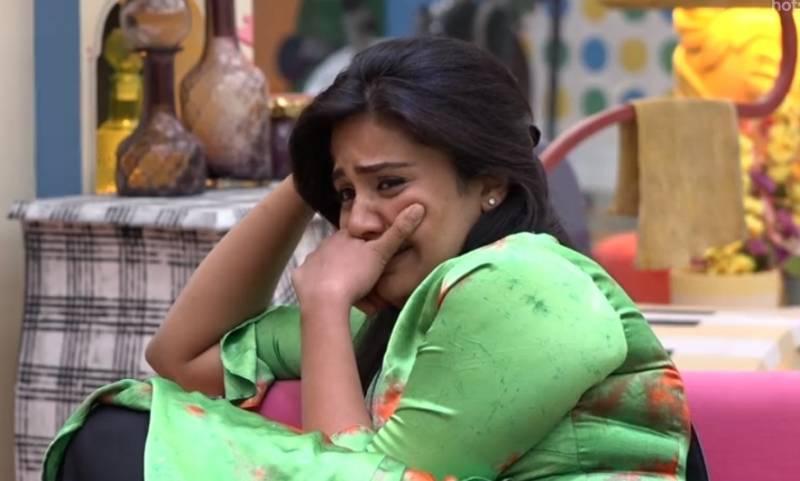 Sreemukhi breaks down ahead of family interactions in Bigg Boss Telugu 3