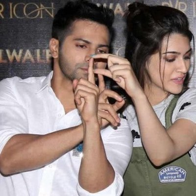 Varun and Kriti reaches out to 14-year-old acid attack survivor, impresses netizens