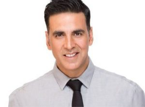 Akshay presents gift to fans on his birthday