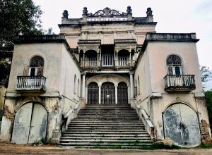 Can Errum Manzil be the new tourist destination in Hyderabad?