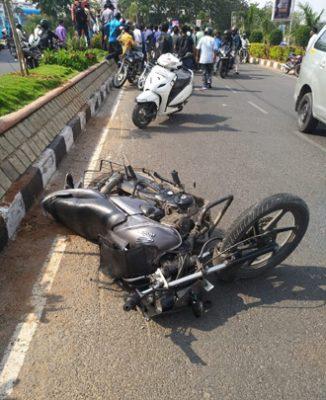 Hit and run accident on Hyderabad Bengaluru National Highway, biker killed