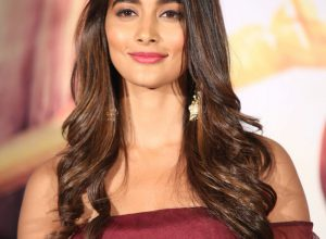 Glamorous Pooja Hegde to impress fans as school teacher