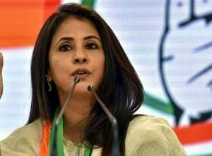 Urmila Matondkar meets Shiv Sena leader; Triggers political speculation