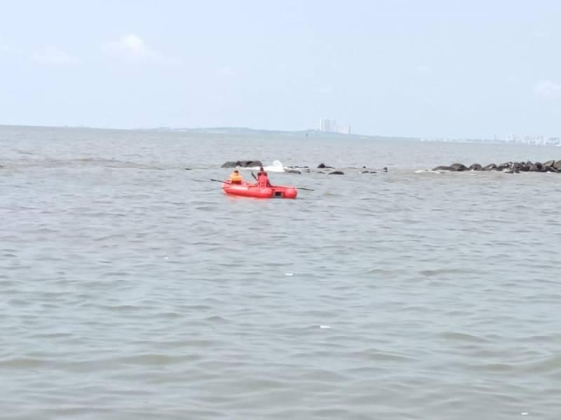 High tide kills couple at Bandra Bandstand in Mumbai