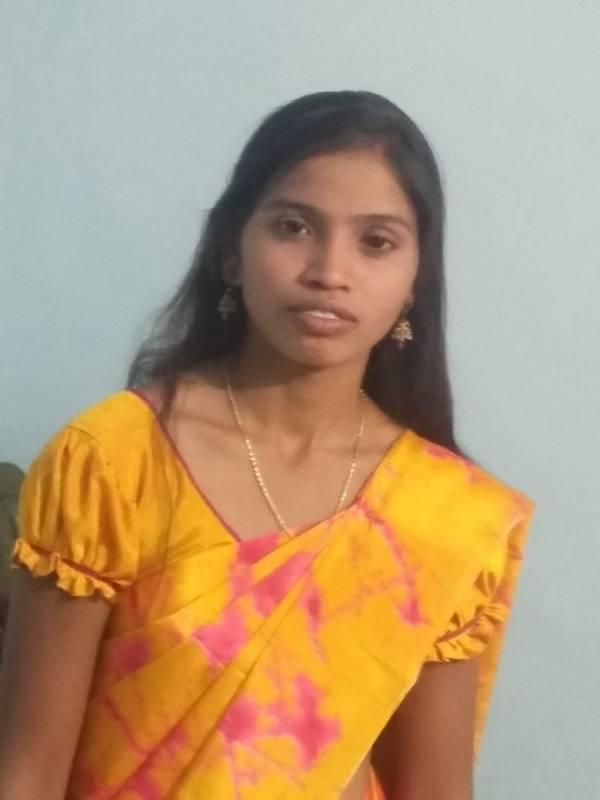 Thunderbolt strike; one die in Nagarkurnool: One dead and two injured in Ranga Reddy