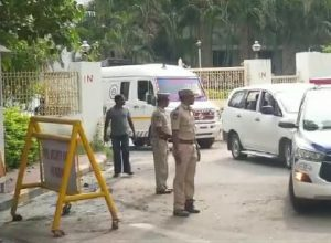 Body of TSRTC 'martyr' Srinivas Reddy taken amidst tight security