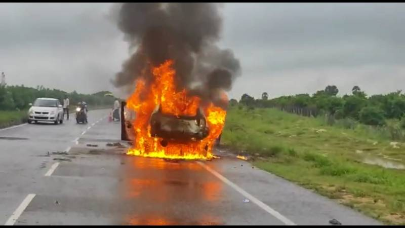 Passengers escape unhurt as two cars catch fire in collision on Hyderabad-Vijayawada highway