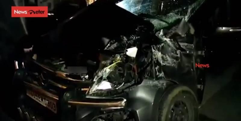 Car hit by RTC bus in Yadadri, 24 injured
