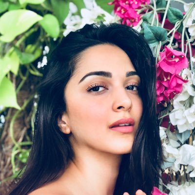 Actress Kiara Advani warns followers after her Twitter account is hacked
