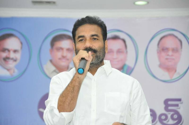 YSRC MLA Kotamreddy arrested for threatening government official, later released