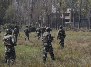 Militants kill two non-local truckers in south Kashmir