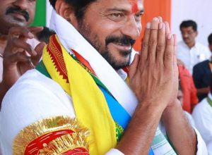 Congress senior leaders gang up against Revanth Reddy