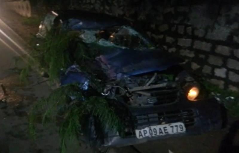 Hyderabadi businessman injured as RTC bus rams into his car