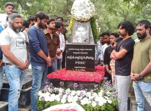 Makers of 'George Reddy' visit his grave, recall the student leader