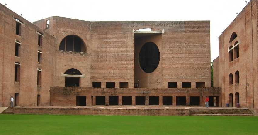 Jagan ropes in IIMA experts to curb corruption in AP
