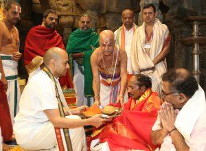 ISRO chief offers prayers to Tirupati Balaji
