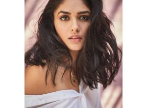Mrunal Thakur to pair up with Shahid Kapoor for Jersey remake