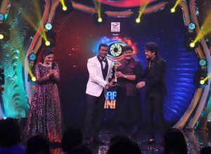 Dhoolpet's 'Gully Boy' Rahul Sipligunj lifts Bigg Boss Telugu 3 trophy