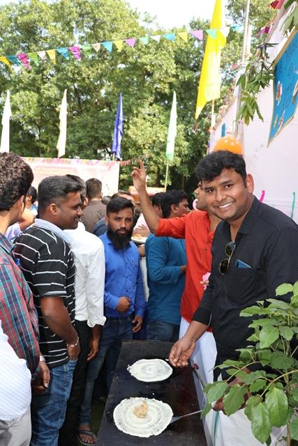 Srikant Of Karnataka Making Dosa