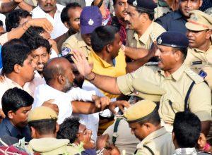 Telangana cop manhandles BJP MP, Kishan Reddy asks for report
