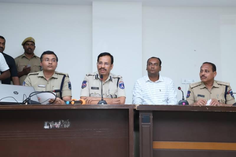 Serious lapse: 3 cops suspended in vet docs gang rape case