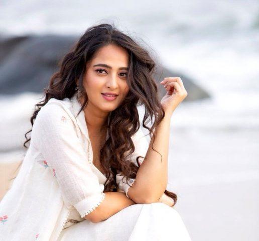 Anuskha Shetty birthday celebrated with release of 'Nishabdham' trailer