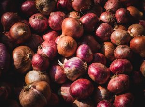 Thief strikes at veggie shop in Hyderabad, flees with onions