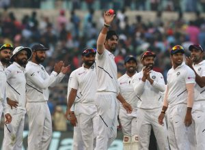 Ishant picks 5, Bangladesh all-out for 106 as India end Day-1 at 174/3