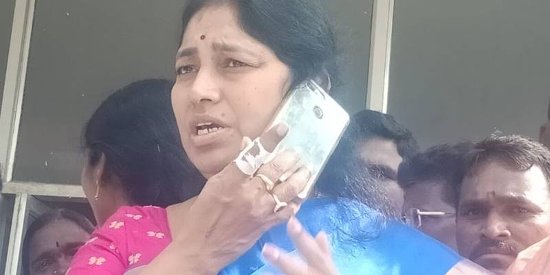 TRS Alair MLA Gongidi Sunitha injured after piece of roof falls down