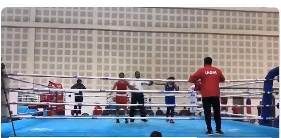 Mary Kom whips Nikhat, refuses to shake hands