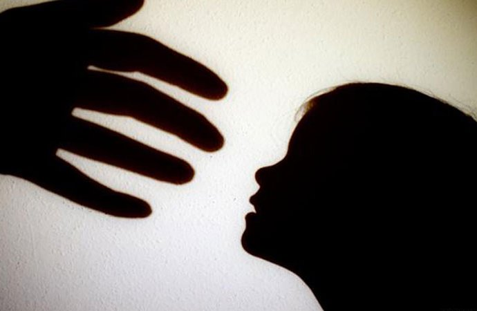 If you shout, I will kill you: Boy attempts to sexually abuse girl in Moinabad