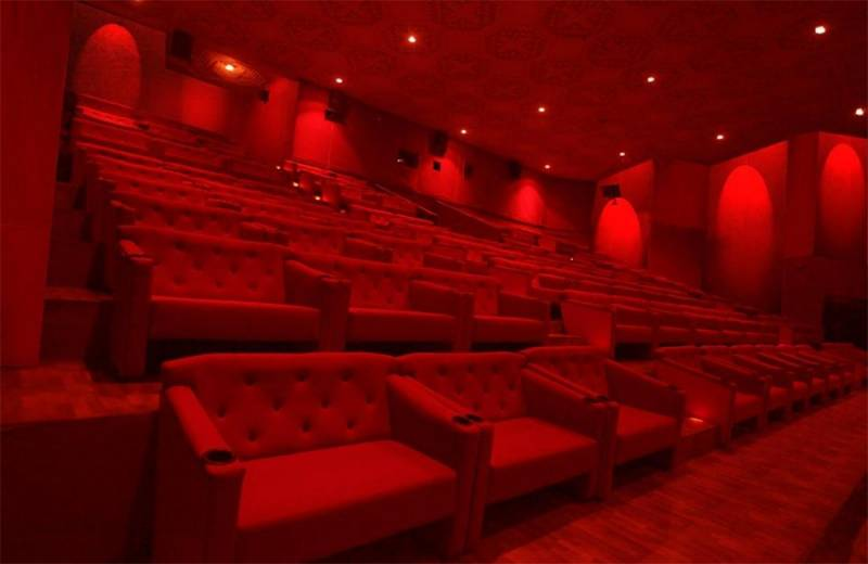 Movie watchers can carry their own water bottle and need not pay for 3D glasses