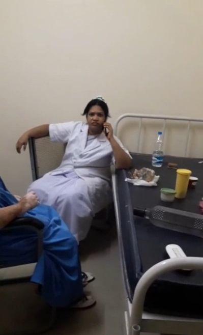 Viral clip shows on-duty nurse glued to mobile phone