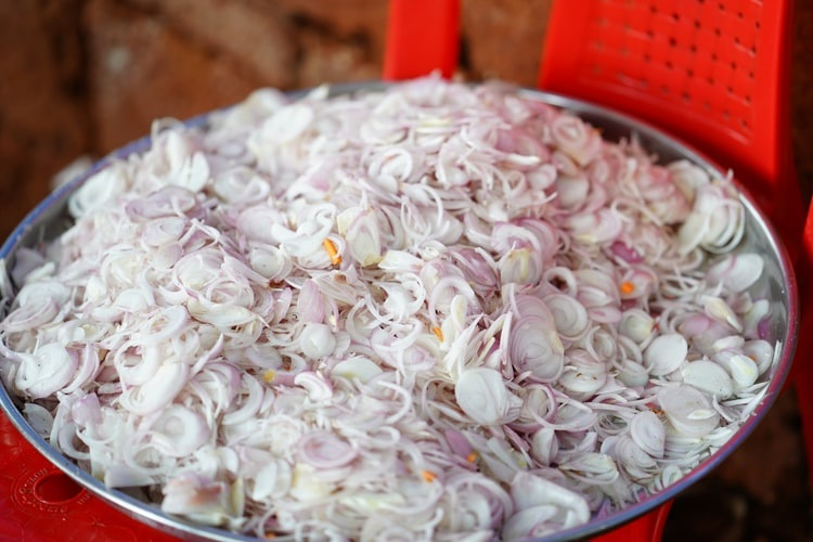 Denied slices of onions, five go on rampage at Kerala restaurant