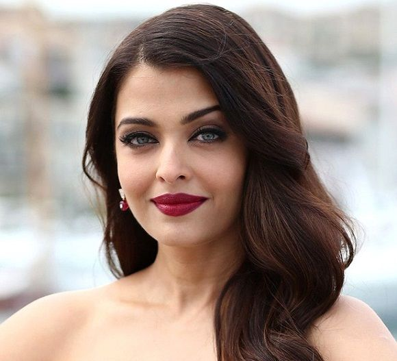 Aishwarya Rai replaces Raadhika Sarathkumar in Mani Ratnam's dream project