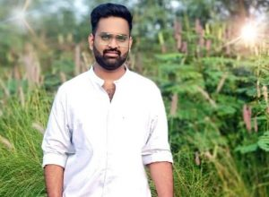 Hyderabad techie killed as bike hits SUV parked on flyover