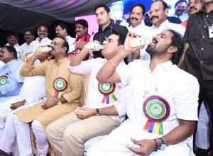 Telangana ministers, KT Rama Rao endorse toddy product 'Neera'