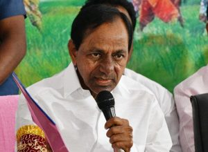 KCR released Rs 5100 Cr under Rythu Bandhu 48 hours before the municipal polls