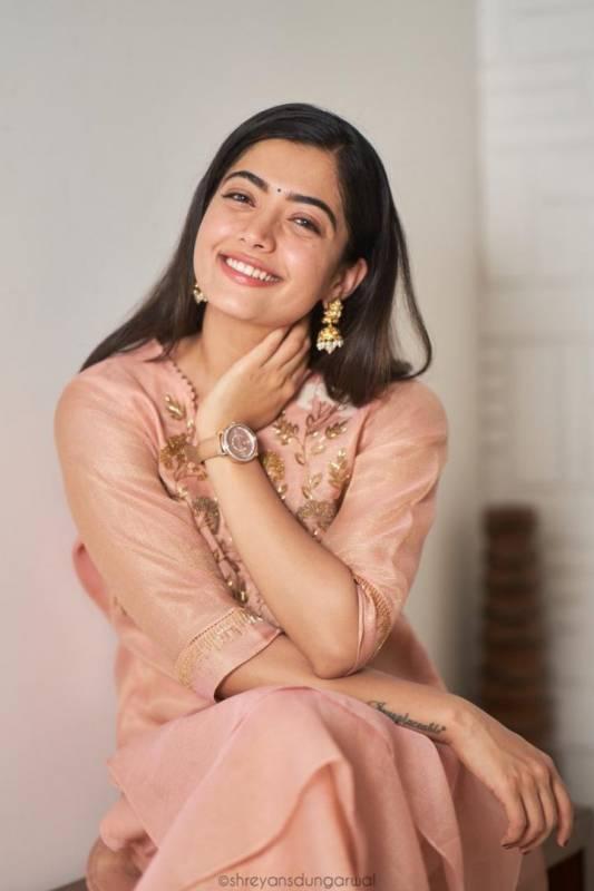 I-T sleuths raid Tollywood actress Rashmika Mandanna's house in Kodagu