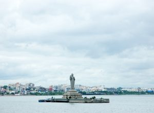 GHMC silent as realtors 'sell' Hussainsagar 'plots'