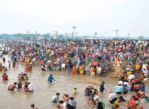 Two dead in Jampanna vagu at Medaram Jatara