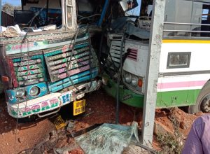 25 injured as truck rams into RTC bus at Devarakonda